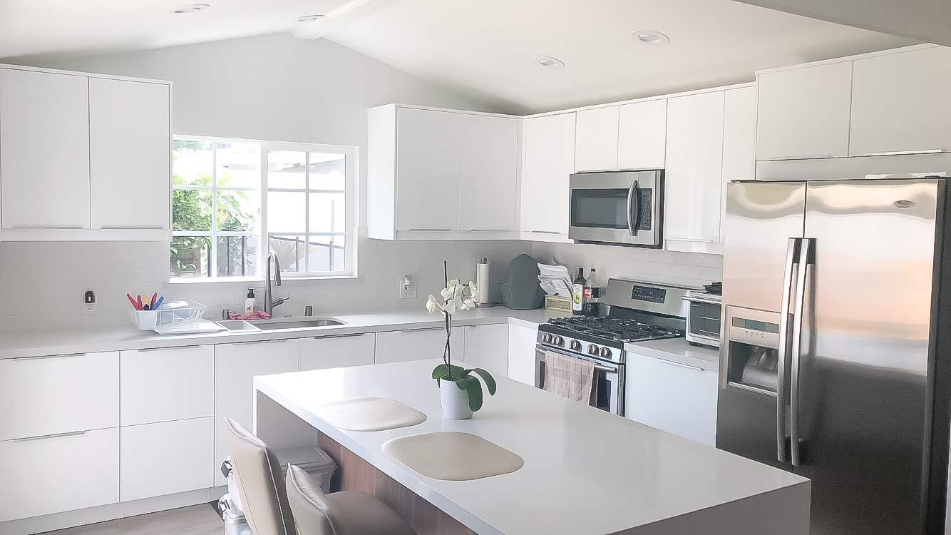 white-kitchen-white-quartz-counter-2.jpg