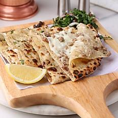 براتا اللحم بالجبن Mutton Cheese Paratha