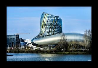 La_Cité_des_Civilisations_du_Vin_.png