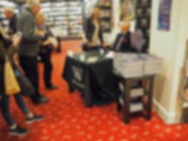 The sweet Especial Scene book signing