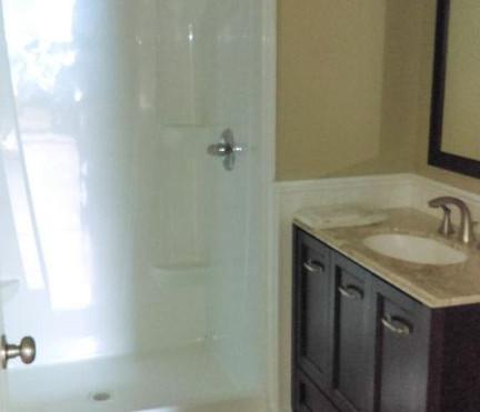 149 Chapin_bathroom.jpg