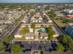 Aerial photo of Tampa, FL student housing