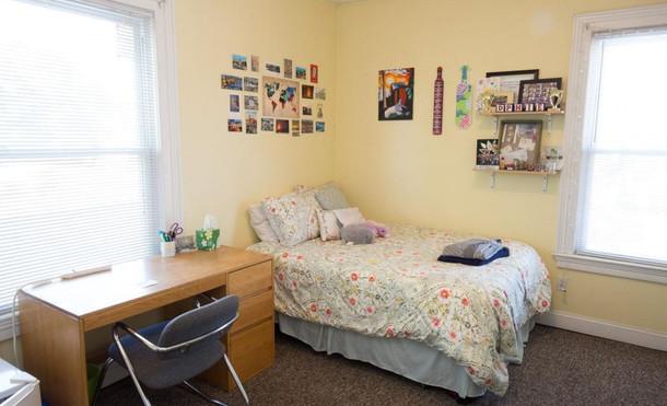135 Front Street_Bedroom.jpg