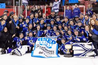 Victoire en Final RSEQ Hockey féminin - Match 2 - Carabins de Montréal