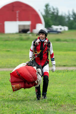 Parachutiste - Parachutisme Atmosphair - Lévis