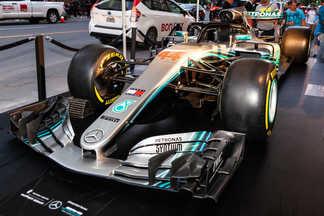 Voiture Mercedes au Tapis Rouge du Grand Prix Party F1 - Ritz-Carlton Montréal