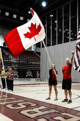 Cérémonie d'ouverture de la Coupe de monde de Hockey Subaquatique - Equipe Canada - PEPS Québec