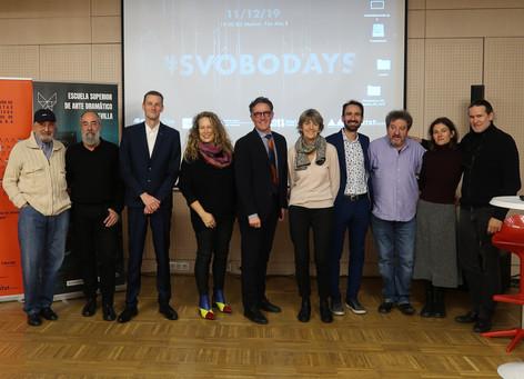 L'équipe de l'édition espagnole des Svobodays