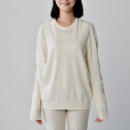 ユニセックスクルーネックセーター 女性着用Img186650.jpg