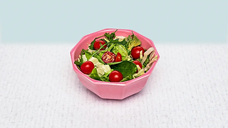 Mixed leaf salad with cherry tomatoes