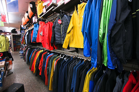 Sports d'été, vélo, kayak, nautique, paddleboard, soccer, natation, pétanque, baseball, camping, entraînement, escalade, vélo, longboard, skate, penny, vêtements, lunettes de soleil, souliers, bottes, sac à dos, boîtes de toits thule,supports à vélo, chariots pour enfants, badminton, tennis, trotinette