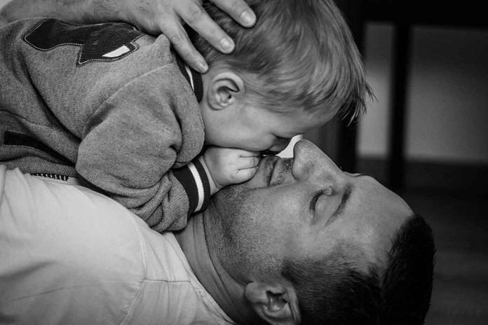 Séance famille N. complicité père fils