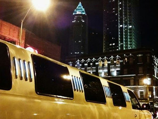 Cleveland Limo Rentals for Holiday Parties