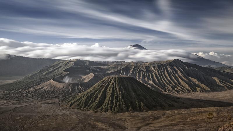 Gunung Bromo, Batok, Semeru_edited.jpg