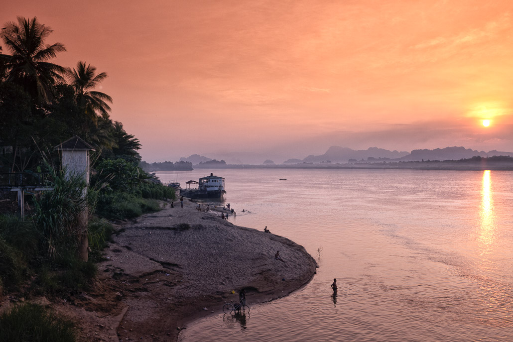 Thanlwin River ~ Hpa'An.jpg