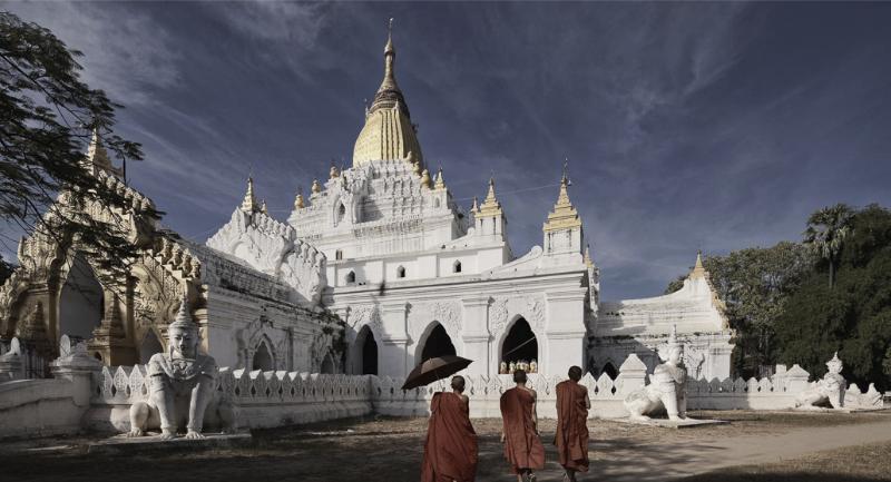 Amarapura ~ Kyauktawgyi Pagoda_edited.jpg