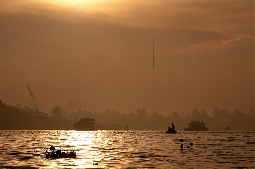 Mekong 4am.jpg