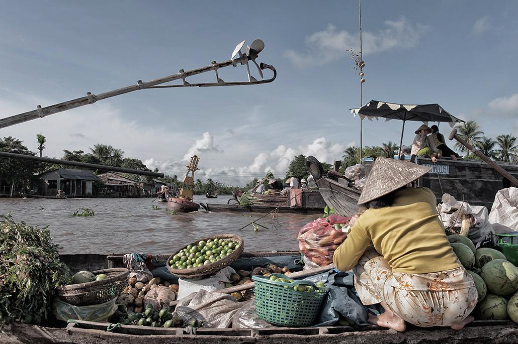 Floating Market.jpg