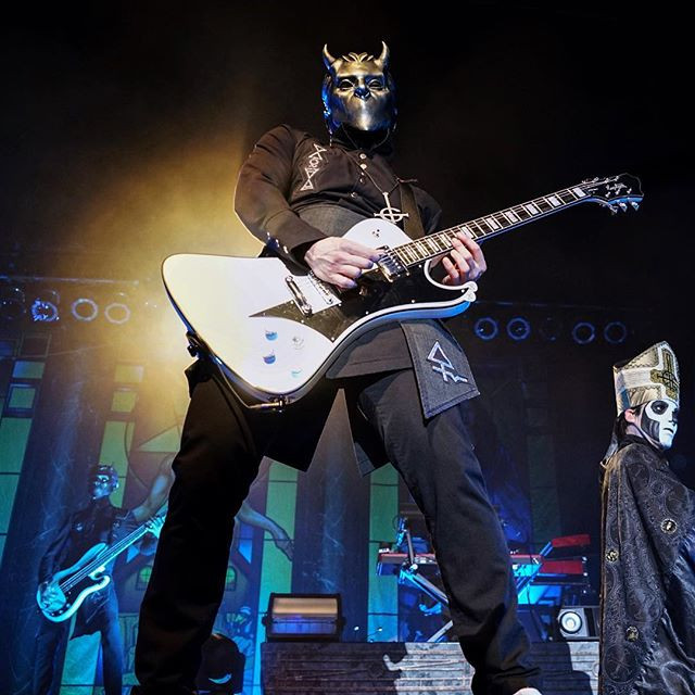 Papa Emeritus energizing the crowd.