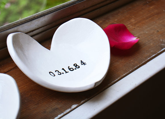 Heart Bowl with Custom Date - Memory Dish - Wedding or Birthday Gift