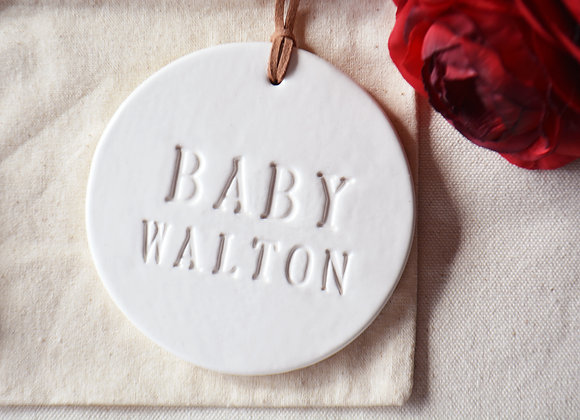 Baby Announcement Baby Reveal - Pregnancy Reveal - Expecting Mom Ornament Set