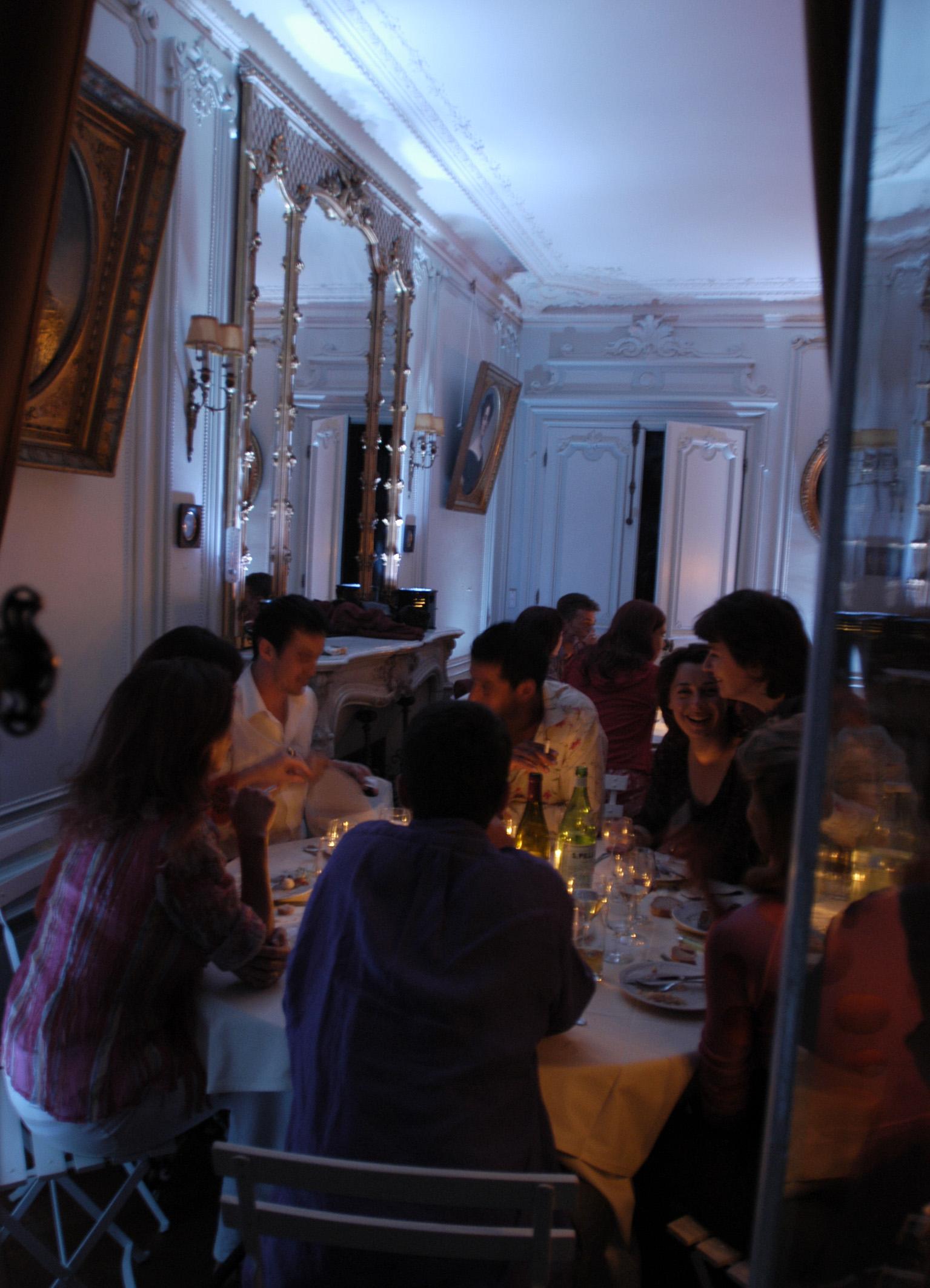 Ambiance dîner dans le grand salon