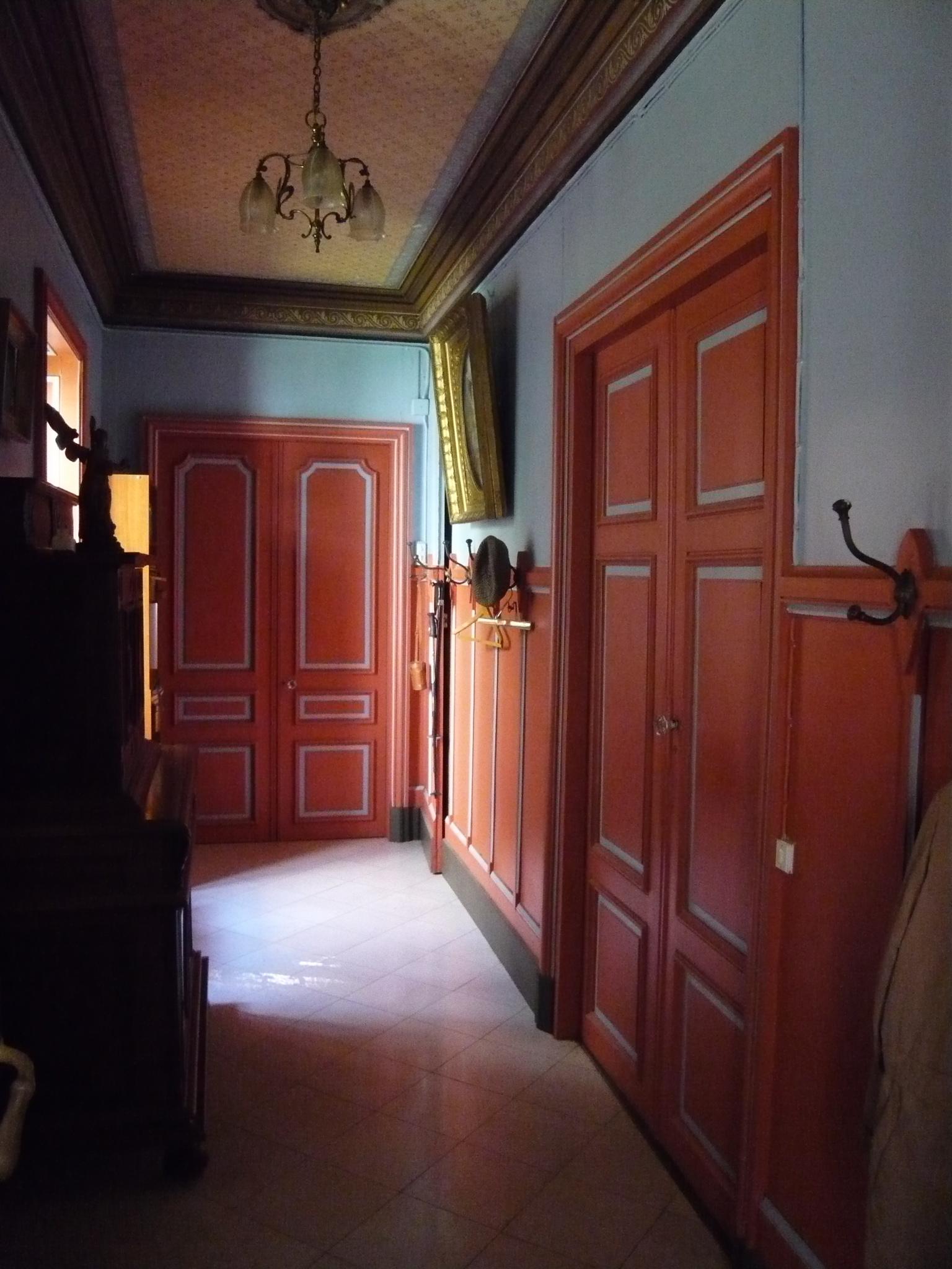 Couloir accès salons