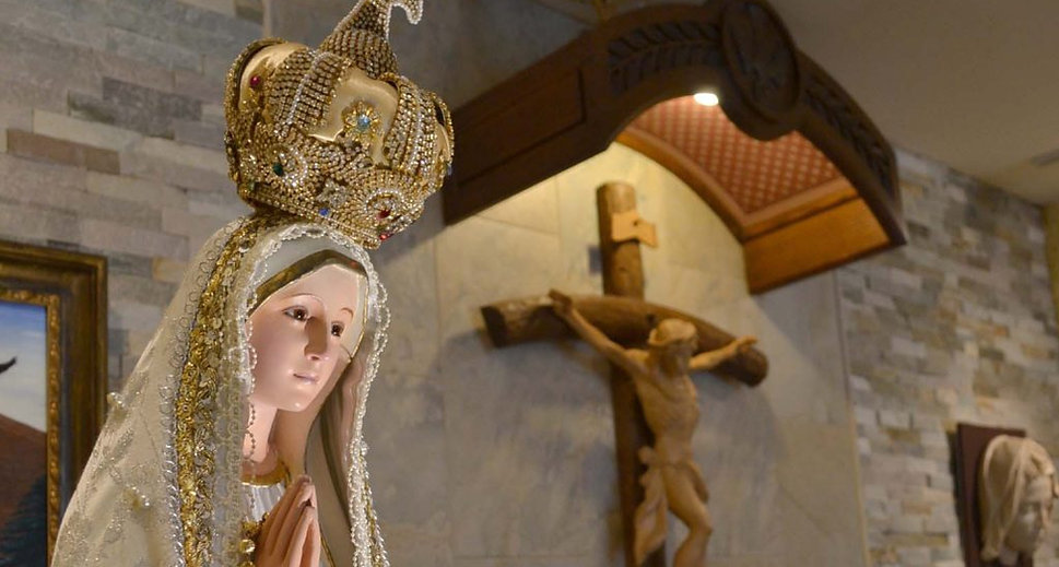 National PilgrimVirgin Statue - Our Lady of Fatima