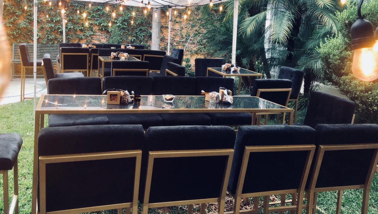 Renta mesa alta bar de marmol