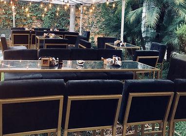 Renta de mesa tipo bar de marmol en monterrey