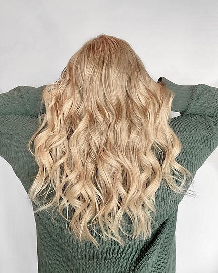 Butter Blonde_Fresh color and extensions