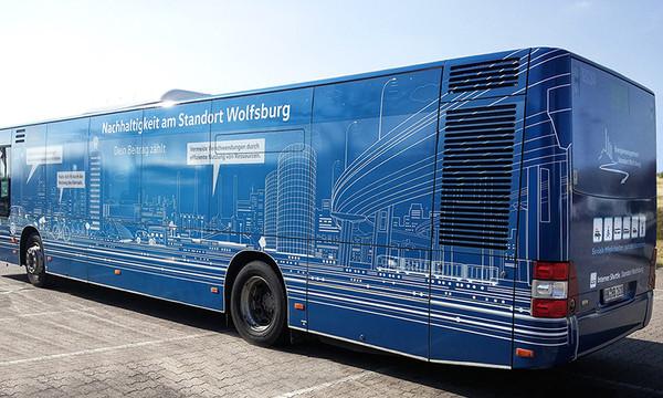 Design-Fahrzeugbeklebung-Volkswagen-Cmde