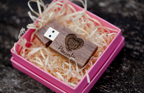 custom-wooden-usb-stick