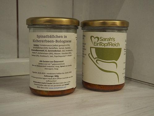 Spinatbällchen in Kichererbsen-Bolognese