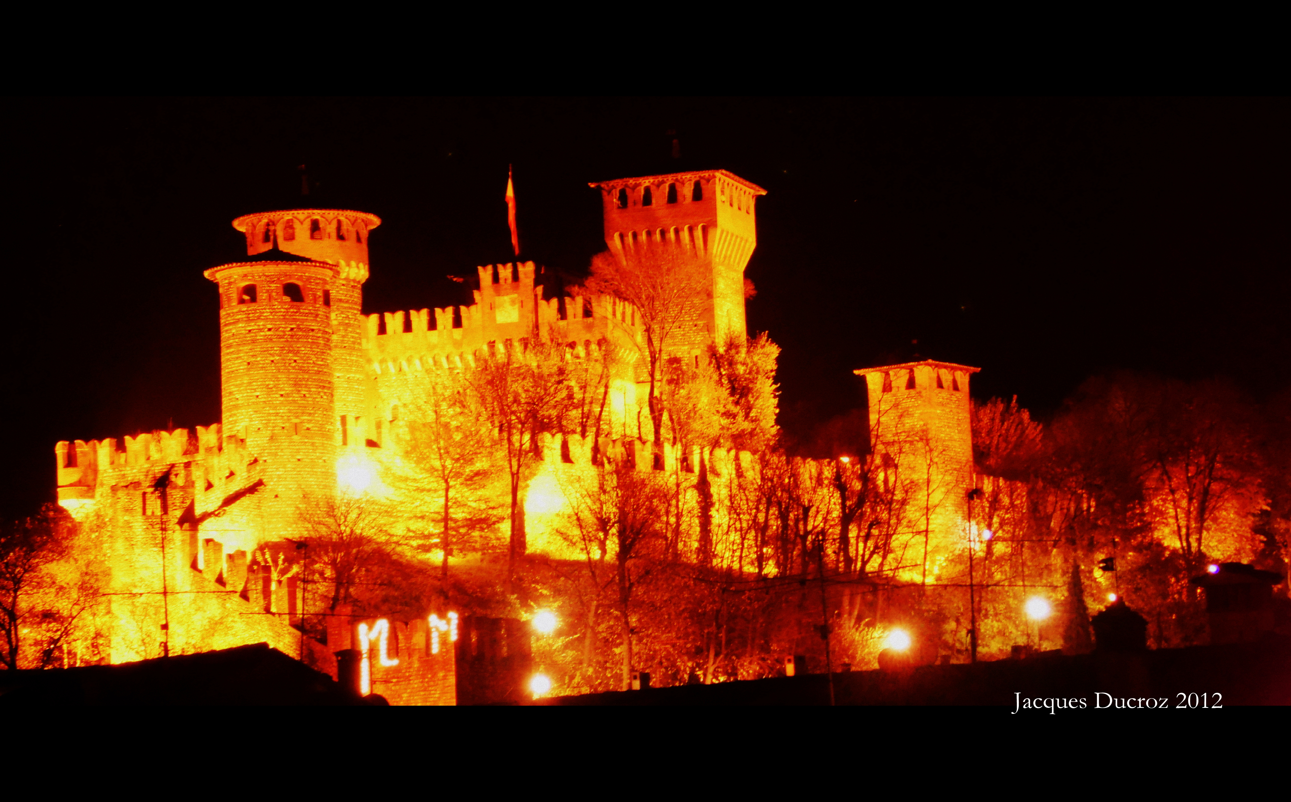 Montichiari Castle at night