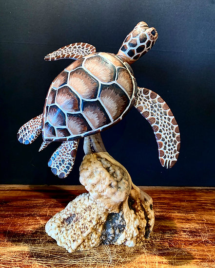 Single Hawaiian Sea Turtle Sculpture
