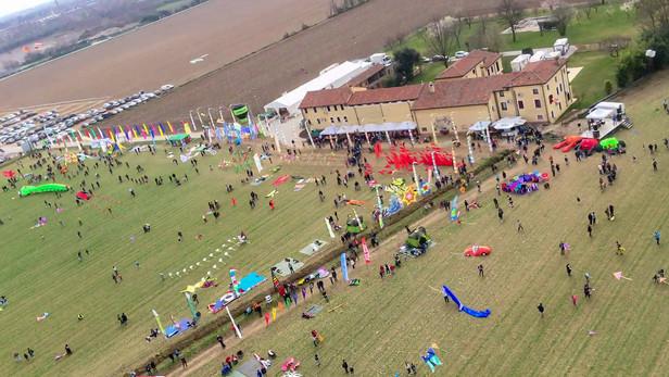 Kites up (barely) in Rosà!