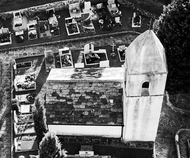 Kite above St. Quiricus