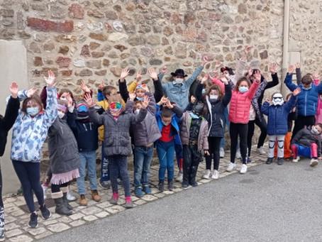 Centre de loisirs hiver-les enfants ont défilé dans les rues de Charmes, ce mardi gras !
