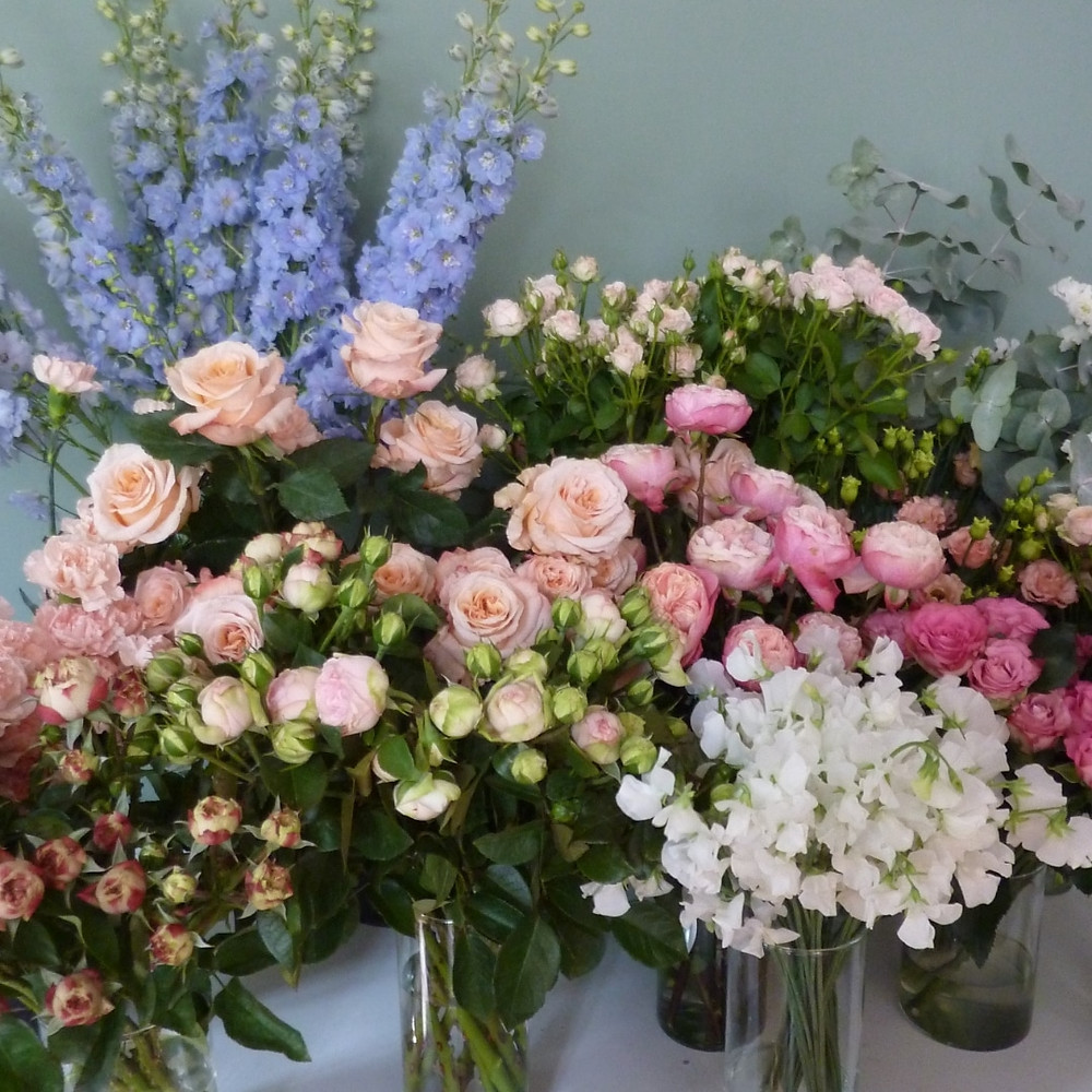 Book a wedding florist