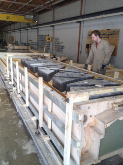 Mold for railing elements