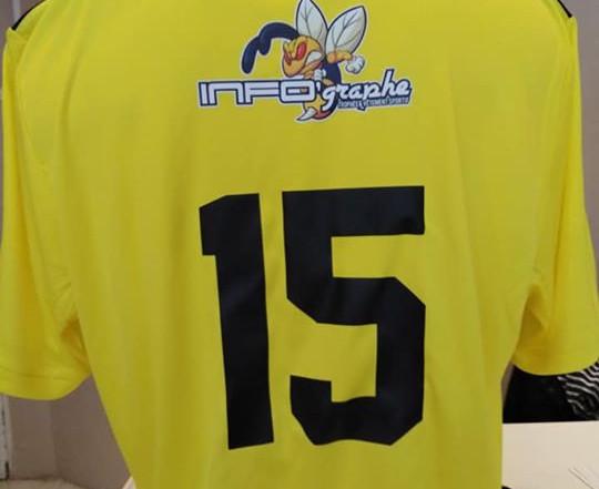 Maillot de sport avec logo sponsor en Flex Print et flocage 1 couleur à Soissons (02)