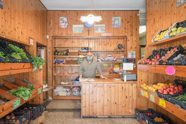 ROSANNO _ barista e fruttivendolo