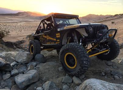 Victor Valley 4 Wheelers Fun in The Desert
