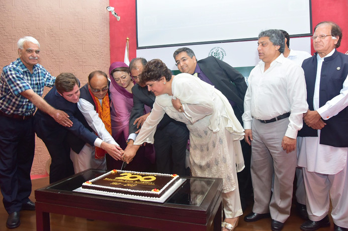 Líderes celebram o bicentenário no Paquistão