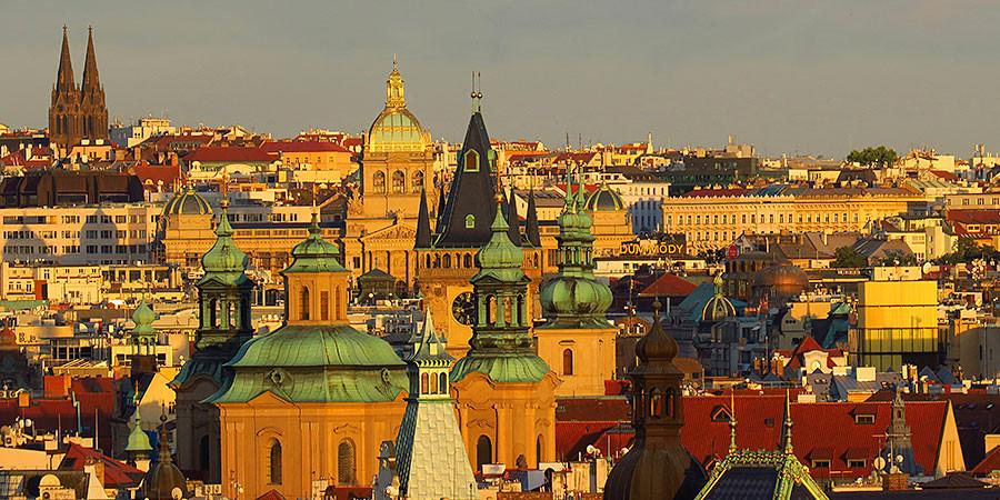 Die goldene Stadt und die Stadt der 100 Türme