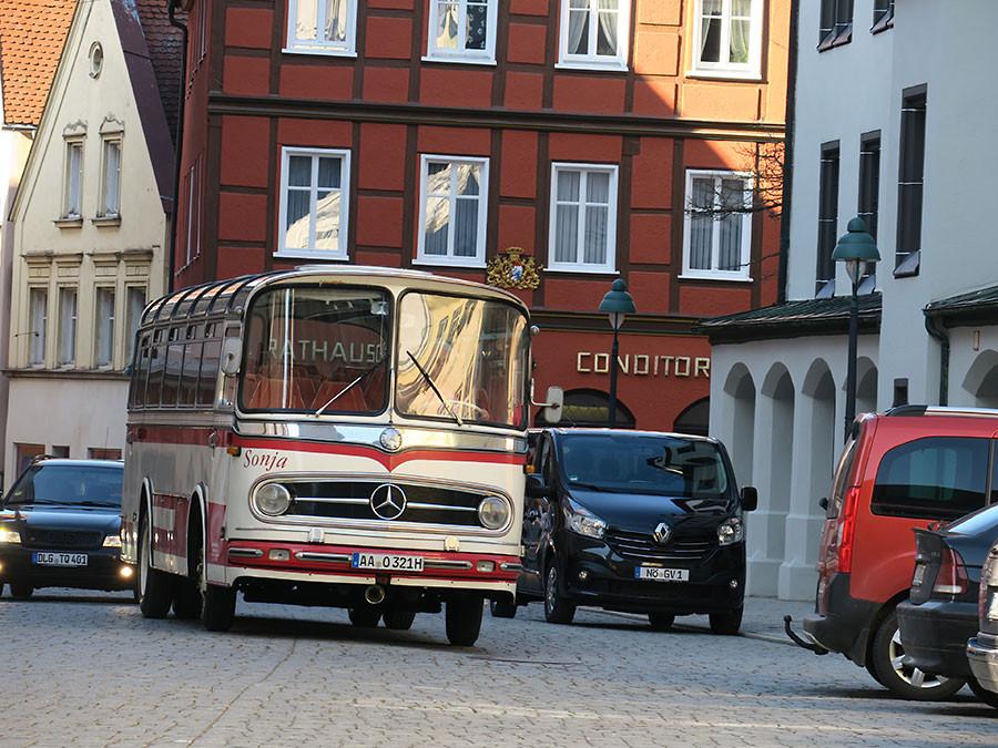 Oldtimer Touristenbus, Nördlingen