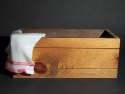 drapé et boite en bois(détail)