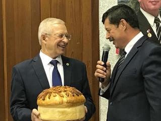 Поздравление научного руководителя ФГБНУ ФНЦО ВИКТОРА ФЕДОРОВИЧА ПИВОВАРОВА.