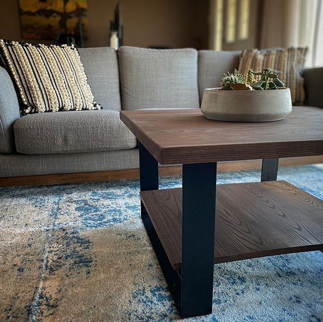 A simple and modern coffee table to brin